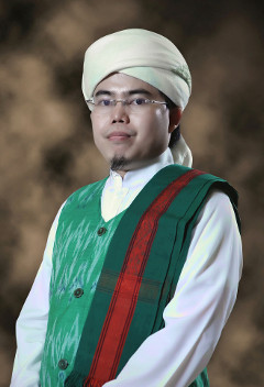 Tuan Guru Bajang KH. Lalu Gede M. Zainuddin Atsani, M.Pd.I.